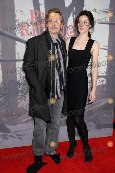 donya fiorentino. and Donya Fiorentino