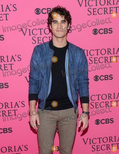 Victorias Secret Photo - November 11  2015 - New York NY - Darren Criss 2015 Victorias Secret Fashion Show Pink Carpet Photo Credit Mario SantoroAdMedia
