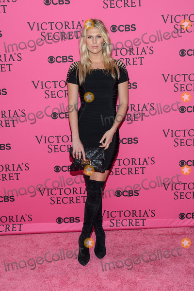 Victorias Secret Photo - November 11  2015 - New York NY - Alexandra Richards 2015 Victorias Secret Fashion Show Pink Carpet Photo Credit Mario SantoroAdMedia