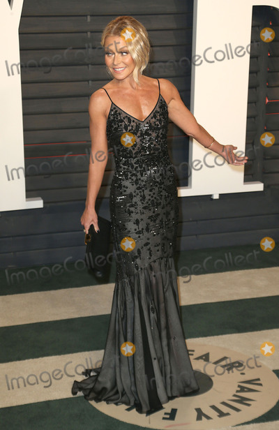 Kelly Ripa Photo - 28 February 2016 - Beverly Hills California - Kelly Ripa 2016 Vanity Fair Oscar Party hosted by Graydon Carter following the 88th Academy Awards held at the Wallis Annenberg Center for the Performing Arts Photo Credit Byron PurvisAdMedia