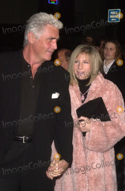 James Brolin Photo - James Brolin and Barbra Streisand at the premiere of MGMs A Guy Thing at Manns Bruin Westwood CA 01-14-03