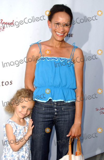 Amanda Luttrell Photo - Amanda Luttrell Garrigus and daughter Sophieat the John Varvatos 5th Annual Stuart House Benefit John Varvatos Boutique West Hollywood CA 03-11-07
