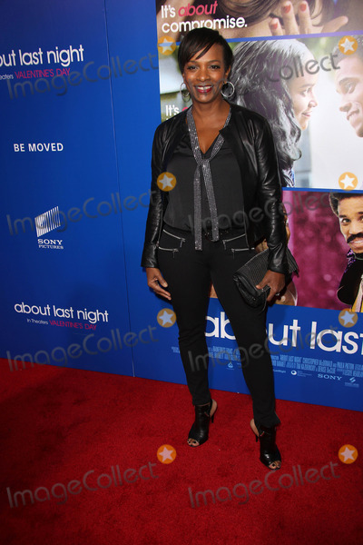 Vanessa Bell Calloway Photo - Vanessa Bell Callowayat the About Last Night Los Angeles Premiere Arclight Hollywood CA 02-11-14