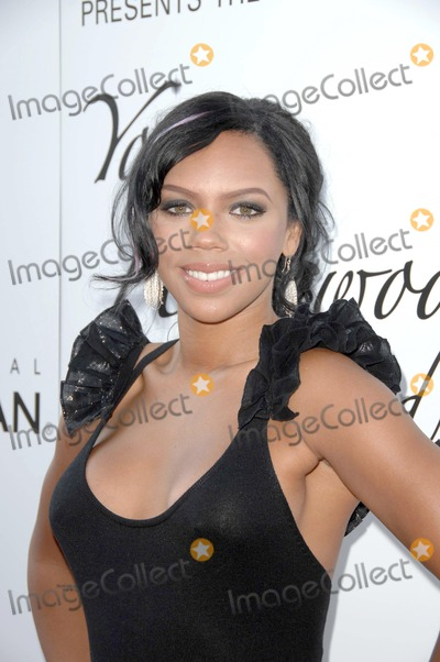Kiely Williams Photo - Kiely Williamsat Hollywood Lifes 11th Annual Young Hollywood Awards The Eli and Edythe Broad Stage Santa Monica CA 06-07-09