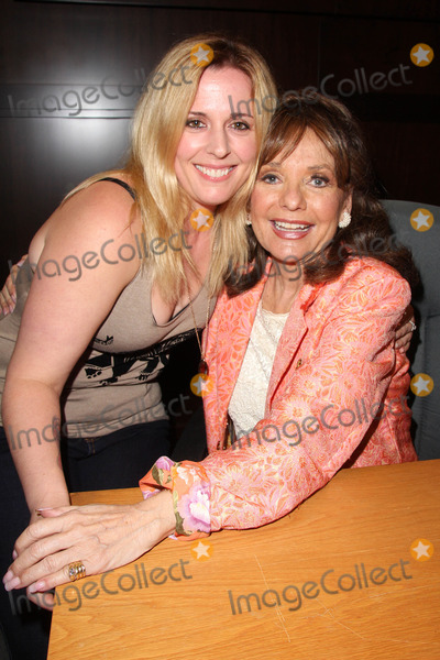 Dawn Wells Photo - Samantha Hale Dawn Wellsat a book signing for What Would Mary Ann Do Barnes  Noble Los Angeles CA 09-29-14