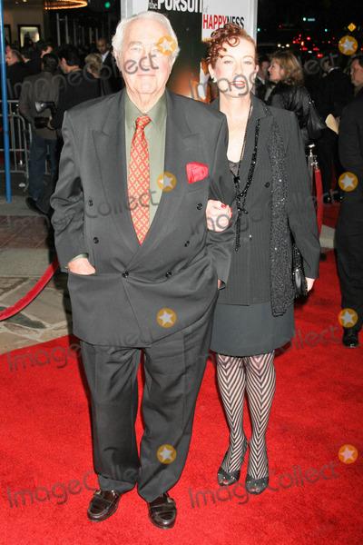 James Karen Photo - James Karen and Alba Francescaat the premiere of The Pursuit of Happyness Mann Village Theatre Westwood CA 12-07-06