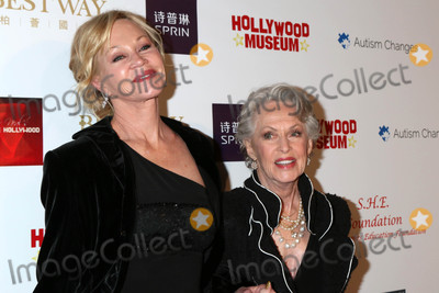 Melanie Griffith Photo - Melanie Griffith Tippi Hedrenat the Style Hollywood Oscar Viewing Dinner Hollywood Museum Hollywood CA 02-26-17