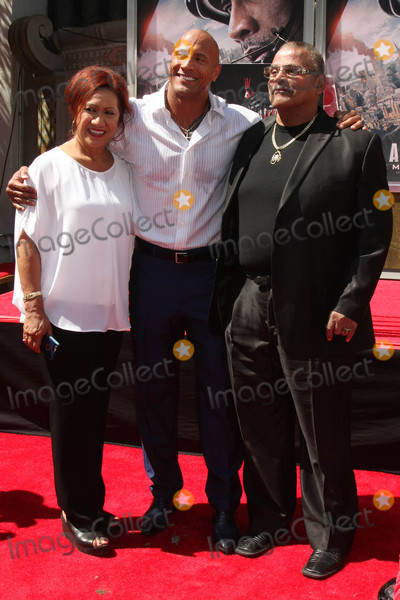 Ata Johnson Photo - Ata Johnson Dwayne Johnson Rocky Johnsonat the Dwayne Johnson Hand and Foot Print Ceremony TCL Chinese Theater Hollywood CA 05-19-15