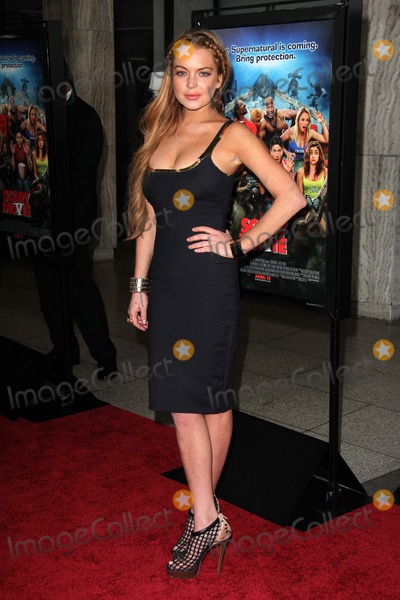 Lindsay Lohan Photo - Lindsay Lohanat the Scary Movie V Premiere Cinerama Dome Hollywood CA 04-11-13