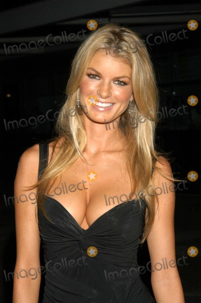 Marisa Miller Photo - Marisa Miller at Gift Goove Benefit California Science Center Los Angeles Calif 10-17-03