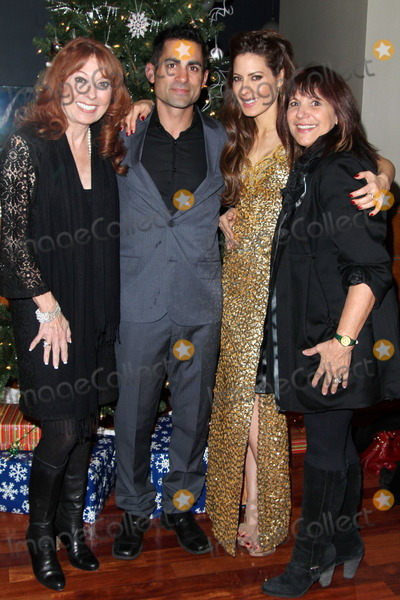 Mike Kasem Photo - Linda Kasem Mike Kasem Kerri Kasem Raven Kane Campbellat the James Barbour Holiday Concert Renaissance Hotel Hollywood CA 12-16-11