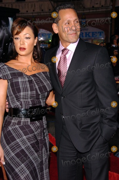 Leah Remini Photo - Leah Remini and Angelo Paganat the screening of Mission Impossible III Graumans Chinese Theatre Hollywood CA 05-04-06