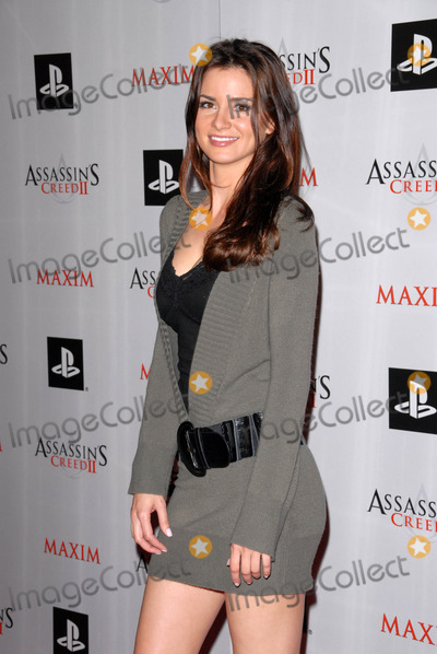 April Rose Photo - April Rose at the MAXIM magazine and Ubisoft launch of Assassins Creed II Voyeur West Hollywood CA 11-11-09