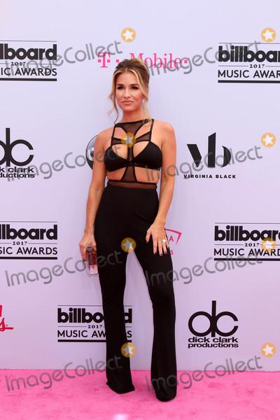 Jessie James Photo - Jessie James Deckerat the 2017 Billboard Awards Arrivals T-Mobile Arena Las Vegas NV 05-21-17