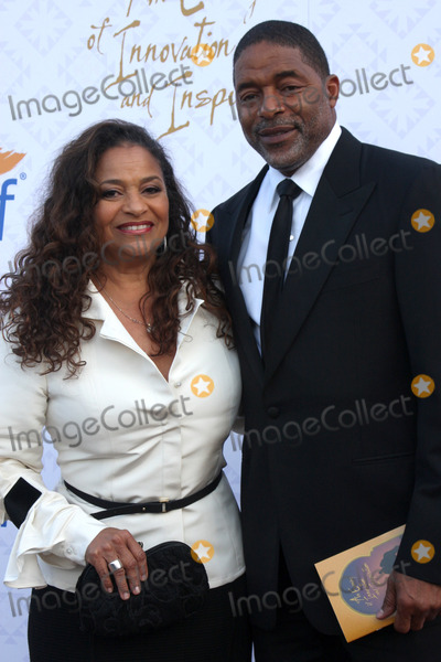 Norm Nixon Photo - Debbie Allen Norm Nixonat the 10th Alfred Mann Foundation Gala Robinson-May Lot Beverly Hills CA 10-13-13
