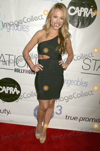 Jessica Hall Photo - Jessica Hallat a Night of Beauty and Music Benefitting the Disaster Relief Effort in Japan W Hotel Hollywood CA 04-28-11