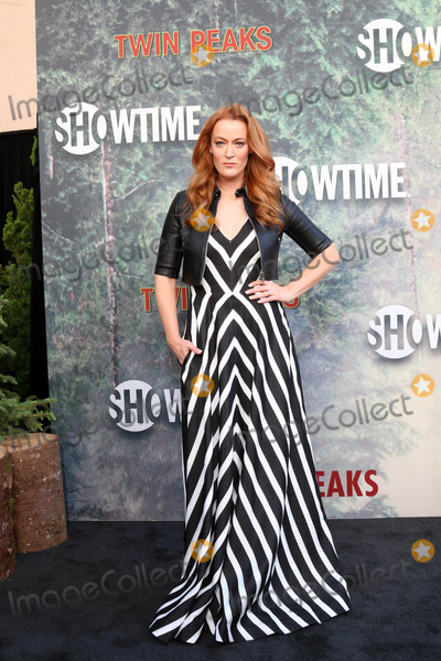 Adele Photo - Adele Reneat the Twin Peaks Premiere Screening The Theater at Ace Hotel Los Angeles CA 05-19-17