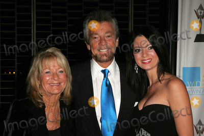 Stephen JCannell Photo - Stephen J Cannell with wife and daughterat the 2006 Womens Image Network Gala Honoring Senator Barbara Boxer Wadsworth Theater Los Angeles CA 11-01-06