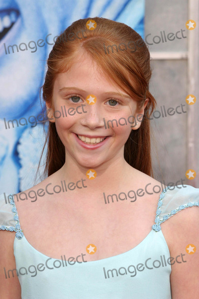 Liliana Mumy Photo - Liliana Mumyat the premiere of The Santa Clause 3 The Escape Clause El Capitan Theater Hollywood CA 10-29-06