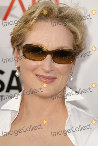 Meryl Streep Photo - Meryl Streep at the 32nd AFI Life Achievement Award honoring Meryl Streep Kodak Theater Hollywood CA 06-10-04