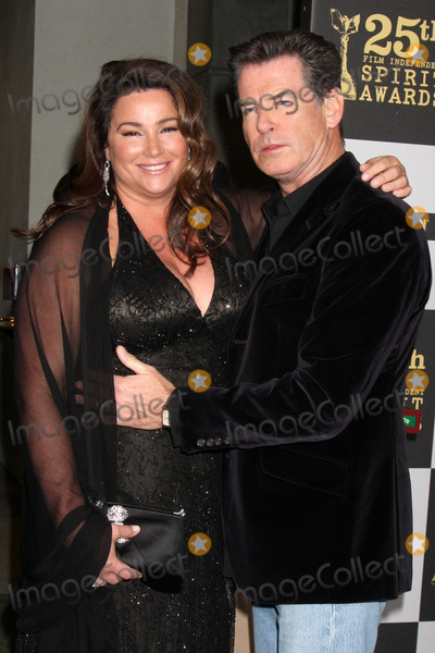 Keely Shaye-Smith Photo - Keely Shaye Smith  Pierce Brosnanarriving at the 25th Film Independent Spirit AwardsLA LiveLos Angeles CAMarch 5 2010