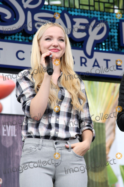Dove Cameron Photo - LOS ANGELES - OCT 17  Dove Cameron at the Stars of Descendants Personal Appearance at the Downtown Disney on October 17 2015 in Anaheim CA