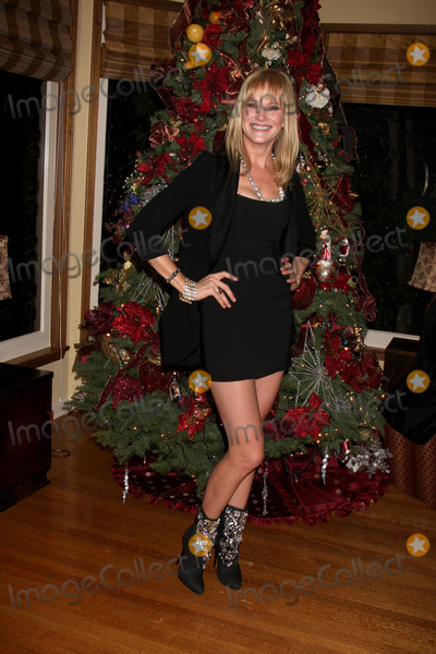 Nicholle Tom Photo - LOS ANGELES - DEC 11  Nicholle Tom at Heather Toms Annual Christmas Party 2010 at Private Home on December 11 2010 in Glendale CA