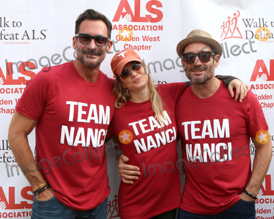 Lawrence Zarian Photo - LOS ANGELES - OCT 16  Lawrence Zarian Renee Zellweger Gregory Zarian at the ALS Association Golden West Chapter Los Angeles County Walk To Defeat ALS at the Exposition Park on October 16 2016 in Los Angeles CA