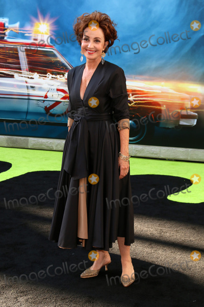 Annie Potts Photo - LOS ANGELES - JUL 9  Annie Potts at the Ghostbusters Premiere at the TCL Chinese Theater IMAX on July 9 2016 in Los Angeles CA