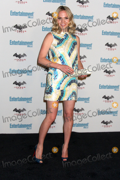 Alexa Havins Photo - LOS ANGELES - JUL 23  Alexa Havins arriving at the EW Comic-con Party 2011 at EW Comic-con Party 2011 on July 23 2011 in Los Angeles CA