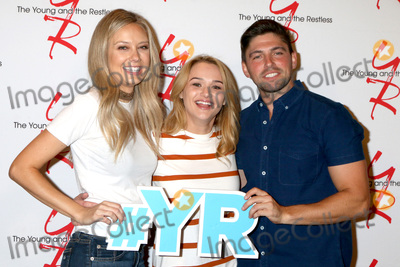 Hunter King Photo - LOS ANGELES - SEP 8  Melissa Ordway Hunter King Robert Adamson at the Young and The Resltless 11000 Show Celebration at the CBS Television City on September 8 2016 in Los Angeles CA