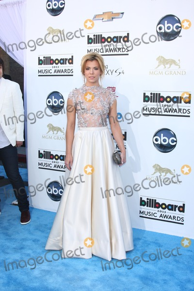 Kimberly Perry Photo - LOS ANGELES -  MAY 19  Kimberly Perry arrives at the Billboard Music Awards 2013 at the MGM Grand Garden Arena on May 19 2013 in Las Vegas NV