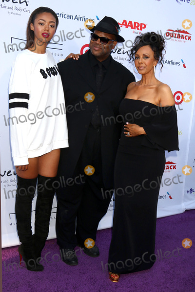 Bella Harris Photo - LOS ANGELES - JUL 16  Bella Harris Jimmy Jam Harris Lisa Harris at the HollyRod Presents 18th Annual DesignCare at the Sugar Ray Leonards Estate on July 16 2016 in Pacific Palisades CA