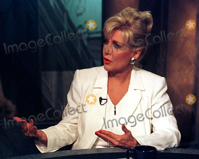 Gennifer Flowers Photo - Washington DC - June 151998 -- Gennifer Flowers is interviewed on the CNBC program Hardball with Chris MatthewsPhoto by Ron Sachs-CNP-PHOTOlinknet