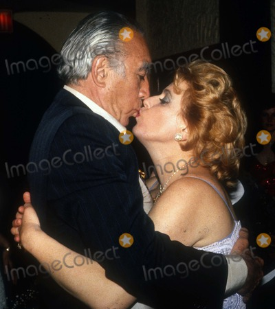 Anthony Quinn Photo - Anthony Quinn1416JPG1981 FILE PHOTONew York NYAnthony Quinn  wife YolandahttpPHOTOlinknetPhoto by Adam ScullPHOTOlinknet917-754-8588 - eMail adamcopyrightphotolinknet