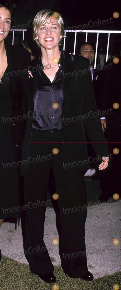 Ellen Degeneres Photo - Photo by Russ Einhorn 1152001 Star Max Inc 2001The EmmysThe Shubert TheatreCentury City CaliforniaEllen Degeneres No2