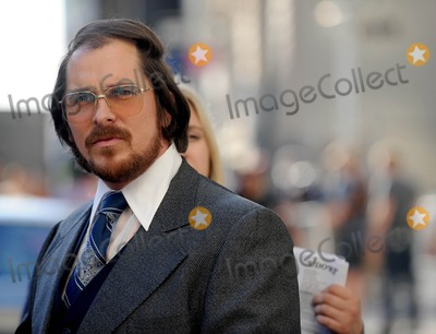 Christian Bale Photo - Photo by Dennis Van Tinestarmaxinccom2013starmaxinccomALL RIGHTS RESERVEDTelephoneFax (212) 995-119651713Christian Bale on the set of American Hustle(NYC)