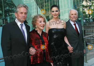 Anne Buydens Photo - Photo by Raoul Gatchalianstarmaxinccom201052410Michael Douglas Ann Buyden Douglas Catherine Zeta-Jones and Kirk Douglas at the 37th Annual Chaplin Award Gala(NYC)