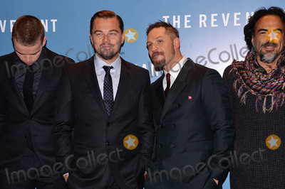 Tom Hardy Photo - Photo by KGC-42starmaxinccomSTAR MAX2016ALL RIGHTS RESERVEDTelephoneFax (212) 995-119611416Will Poulter Leonardo DiCaprio Tom Hardy and Alejandro Gonzalez Inarritu are seen at the premiere of The Revenant(London England)