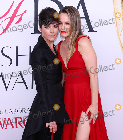 Alicia Silverstone Photo - Photo by XPXstarmaxinccomSTAR MAXCopyright 2016ALL RIGHTS RESERVEDTelephoneFax (212) 995-11966616Selma Blair and Alicia Silverstone at the 2016 CFDA Fashion Awards(NYC)
