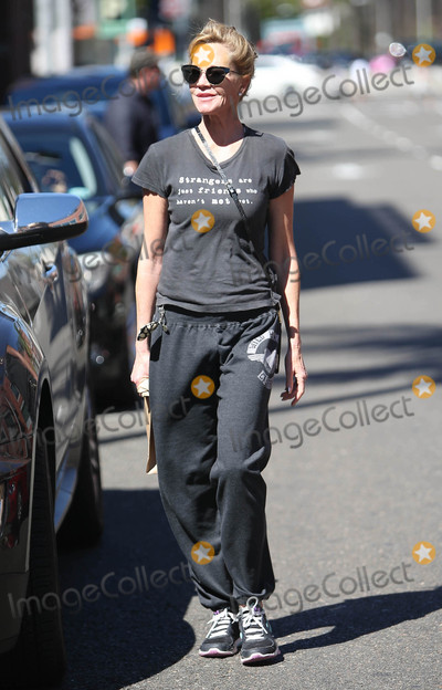Melanie Griffith Photo - Photo by SMXRFstarmaxinccomSTAR MAX2016ALL RIGHTS RESERVEDTelephoneFax (212) 995-119610316Melanie Griffith is seen in Los Angeles CA