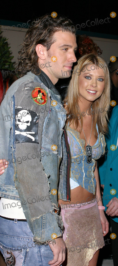 JC Chasez Photo - Photo by Lee RothSTAR MAX Inc - copyright 200212902JC Chasez and Tara Reid at the Billboard Music Awards(Las Vegas Nevada)