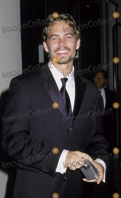 Paul Walker Photo - Photo by Russ Einhorn 862001 Star Max Inc 2001Hollywood Film Festival  Award GalaBeverly Hilton HotelBeverly Hills CaliforniaPaul Walker