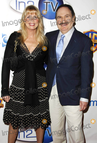 Gabe Kaplan Photo - Photo by Michael Germanastarmaxinccom200631506Marcia Strassman and Gabe Kaplan at the launch of the AOL and Warner Bros broadband network In2TV(Beverly Hills CA)
