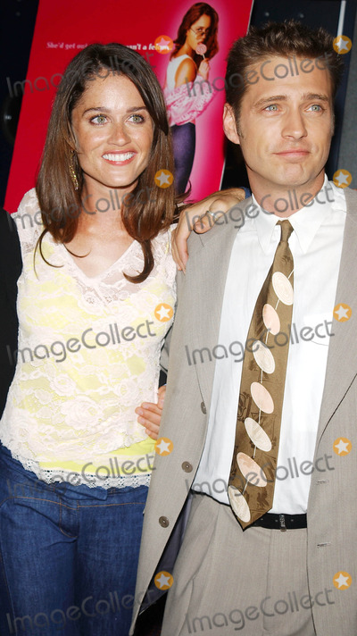 Robin Tunney Photo - Photo by Walter WeissmanSTAR MAX Inc - copyright 20026502Jason Priestly and Robin Tunney stars of the film  attend the premiere of Cherish(NYC)