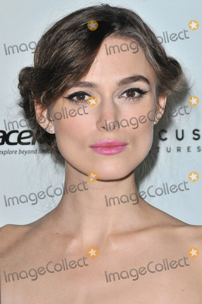 Keira Knightley Photo - Photo by KGC-136starmaxinccom2012ALL RIGHTS RESERVEDTelephoneFax (212) 995-1196111412Keira Knightley at the premiere of Anna Karenina(Los Angles CA)