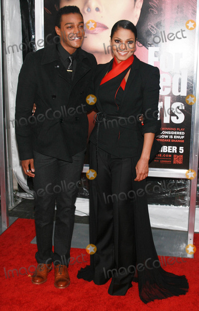 Austin Brown Photo - Photo by Raoul Gatchalianstarmaxinccom2010102510Janet Jackson and her nephew Austin Brown at the premiere of For Colored Girls(NYC)