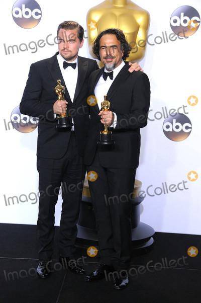 Alejandro Gonzalez Inarritu Photo - Photo by GLXstarmaxinccomSTAR MAXCopyright 2016ALL RIGHTS RESERVEDTelephoneFax (212) 995-119622816Leonardo DiCaprio and Alejandro Gonzalez Inarritu at the 88th Annual Academy Awards (Oscars)(Hollywood CA USA)