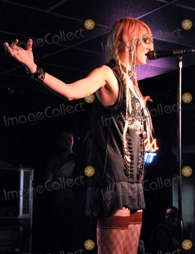 Taylor Momsen Pictures and Photos