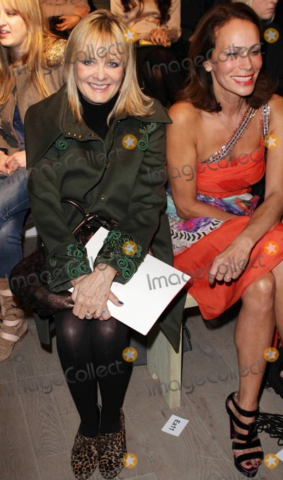 Andrea Dellal Photo - Veteran models Twiggy Lawson and Andrea Dellal sit front row at the Matthew Williamson fashion show during London Fashion Week London UK 022011